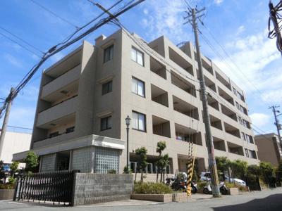 【現地写真】 鉄筋コンクリート造の7階建♪ 陽当たりに良いマンションとなっております♪