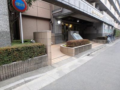 【エントランス】ライオンズガーデン戸田公園