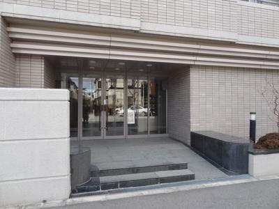 阪神香櫨園駅まで徒歩6分!! JRさくら夙川駅も徒歩15分で利用できますよ。
