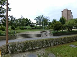 中津公園に隣接していますので窓から公園が望めます♪