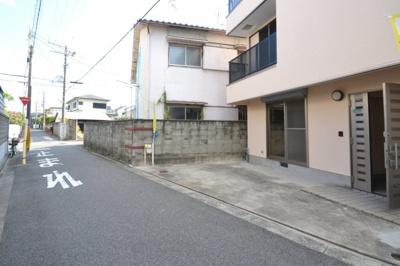 【前面道路含む現地写真】堺市東区日置荘西町 一戸建