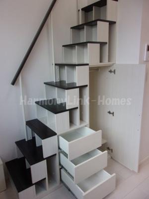 ハーモニーテラス前野町の収納付き階段★