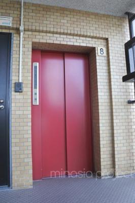 8階部分エレベーター前