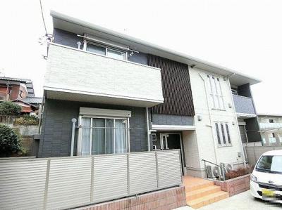 人気の築浅2階建てアパート♪JR南武線「久地」駅より徒歩圏内!キレイなお部屋に住みたい方にオススメです☆