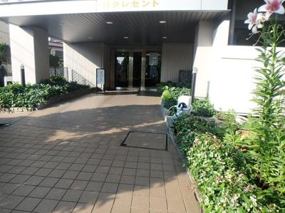 【エントランス】朝日プラザ鳩ヶ谷クレセント