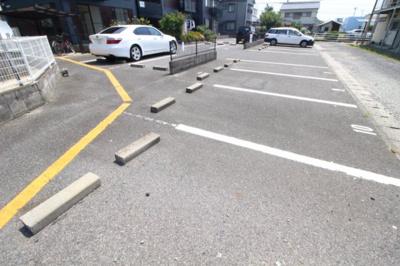 【駐車場】ファミーユサトウⅡ
