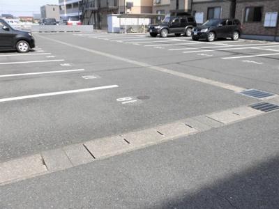 【駐車場】セジュール直江B