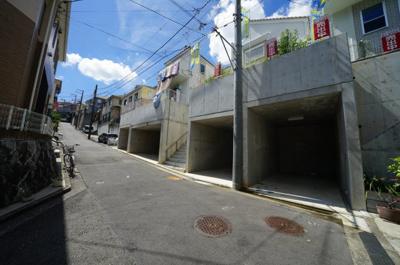 【前面道路含む現地写真】保土ヶ谷区瀬戸ヶ谷町 全3棟新築戸建て