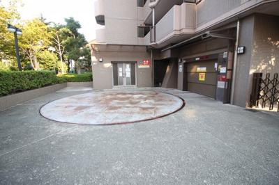 駐車スペースもあります 立体駐車場
