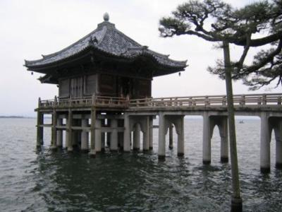 「近江八景」の一つ『堅田の落雁』の浮御堂まで約1.5キロ