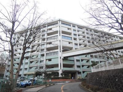 京浜急行線「弘明寺」駅徒歩21分、又はバス7分「南永田入口」停歩2分。