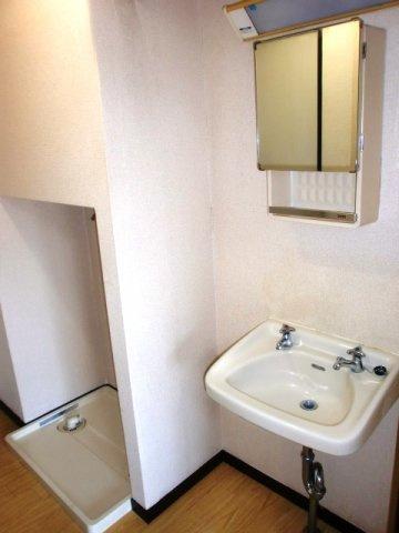 洗面台・室内洗濯機置場も付いてます。