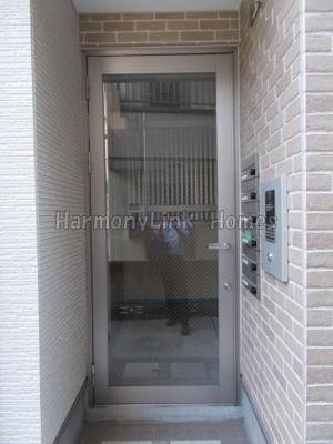 KONZ HOUSEの建物の内部です