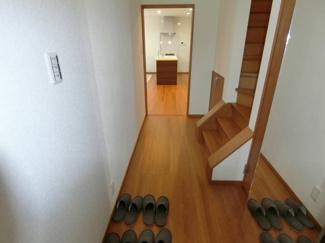廊下スペース広く取っておりゆったりした空間となっております♪