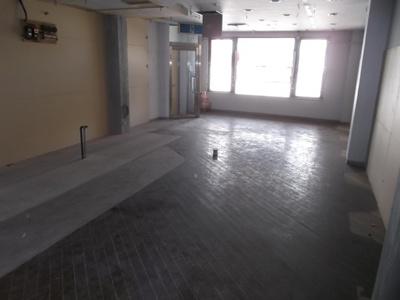 虹ビル 2階