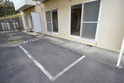 【駐車場】BANANA HOUSE B