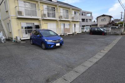 【駐車場】ドミールハウス