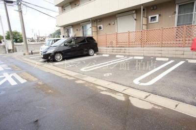 【駐車場】クレイドル