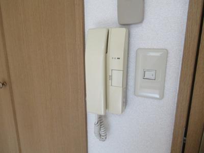 インターフォンです