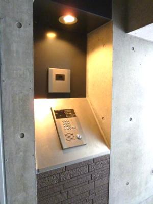【エントランス】リッツスクエアキューブ