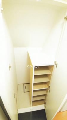 【玄関】レオパレスラ ボエーム