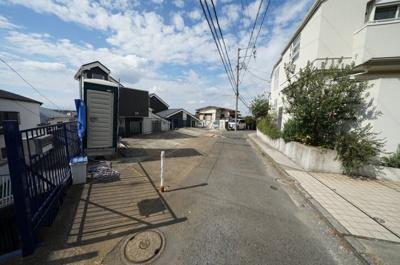 【前面道路含む現地写真】保土ヶ谷区鎌谷町全2棟 新築戸建て【成約済】