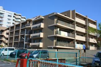 上野芝の低層マンションです アステルコート上野芝の売却・購入は堺市西区専門店のZERO-ONEにお任せ下さい