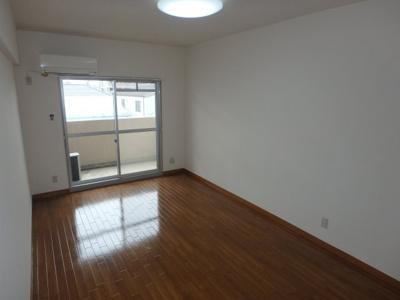 岡山市北区下中野 コンフォール 1K 洋室