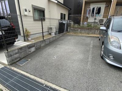 【駐車場】ルマージュ神戸5番館
