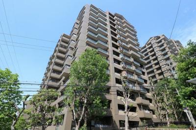 【現地写真】 鉄骨鉄筋コンクリート造18階建て♪ 総戸数176戸♪