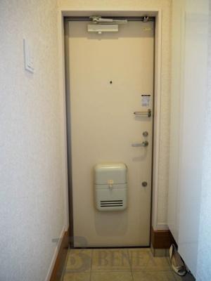 ヒルズ369の玄関です
