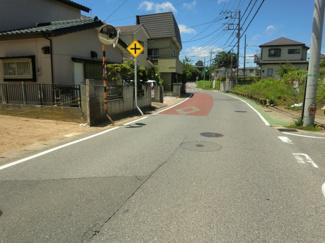 グランファミーロ誉田 土地 誉田駅 隣接の土地と離れていますので開放的です。