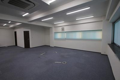 岸田ビル 3階