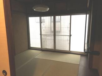 【和室】住居付店舗!!キッチン・バス新装ピカピカ!堺東から10分!中環に面しバス停近く