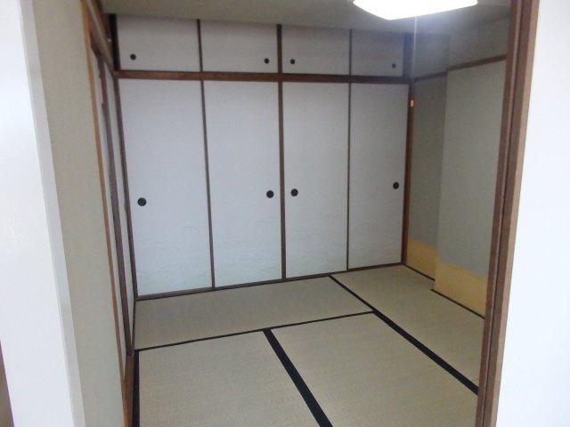 収納も充実ですっきり室内を使用でします。
