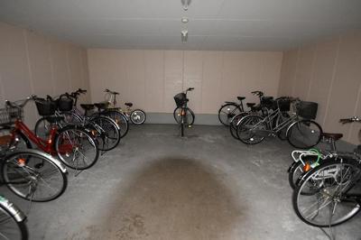 【駐車場】イーストヴィレッジ茨木