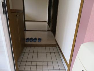 【玄関】アゼリアコートE