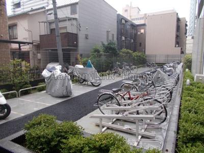 ガーラ・グランディ池袋Ⅱの駐輪場アンドバイク置き場☆