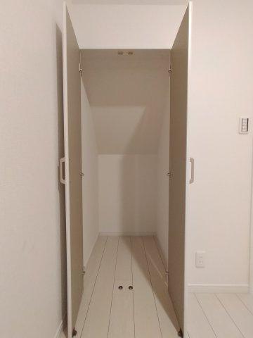 使い勝手の良いシステムキッチンです。ゆったりの収納スペースがあり、調理器具をたくさん収納できます♪嬉しい食洗器は標準仕様です。