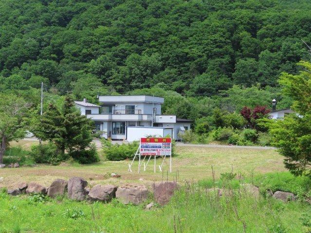 【前面道路含む現地写真】北見市留辺蘂町泉355番15、497番18 売土地