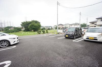【駐車場】アヴニール・ヒルズⅡ