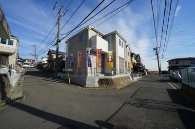 【前面道路含む現地写真】保土ヶ谷区法泉1丁目全2棟 新築戸建て