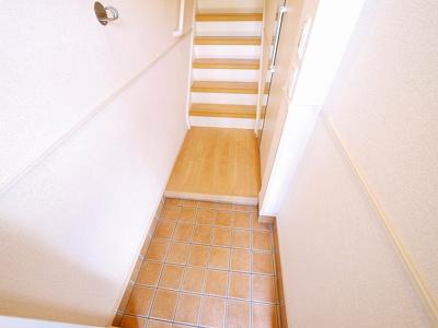 落ち着いた色調の洋室です