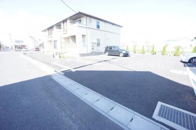 【駐車場】ホーム ウェイ