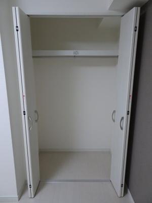 シャトーノール 洋室6.7帖にある約1間分のクローゼット