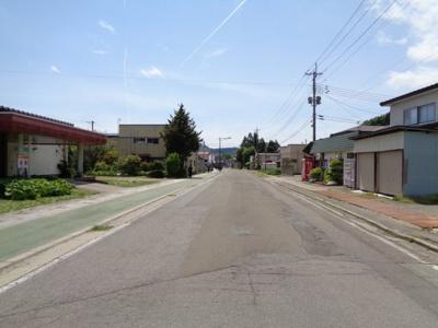 【前面道路含む現地写真】能代市二ツ井町五千苅・収益駐車場