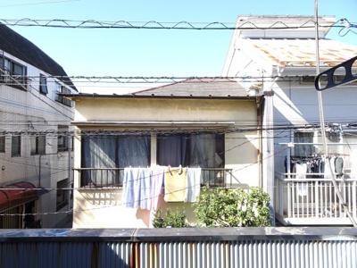 岡田貸家 2階洋室6.5帖の窓からの眺望