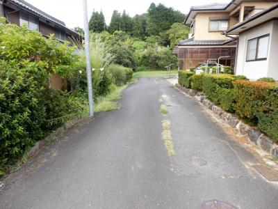 【前面道路含む現地写真】市島町中竹田中古住宅I邸