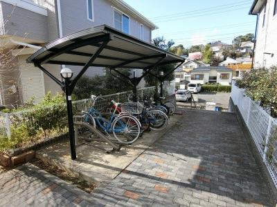 いつでも目の届く敷地内に駐車場があります♪お車をお持ちのファミリーさんにオススメです☆