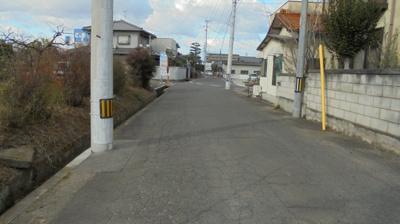 【前面道路含む現地写真】高松市一宮町売土地